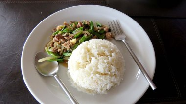 Beef with vegetables in oyster sauce, Sunset Hill restaurant