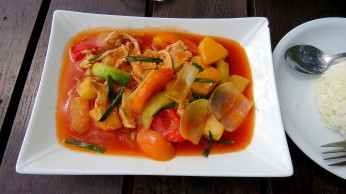 Sweet and sour chicken with pineapple, Koh Raham Restaurant