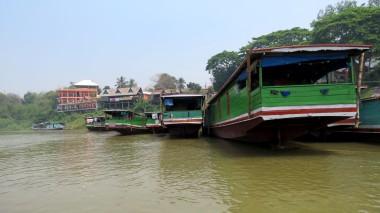 Barcos no porto de partida