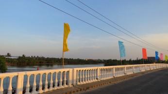 A ponte no caminho da praia