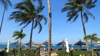 Há clubes na praia que, mediante uma taxa, te oferecem vários confortos