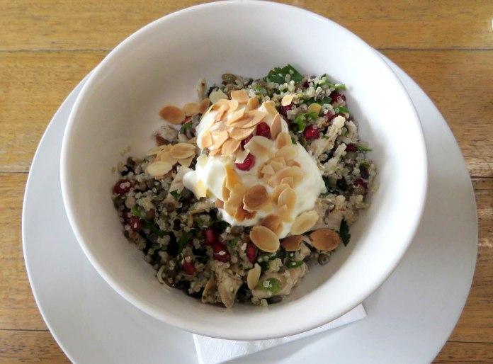 Salada de quinoa (Milkwood)