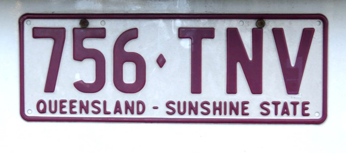 Placa de um carro de Queensland, o estado ensolarado