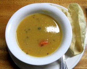 Sopa de milho com vegetais