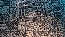 Tecido com grafismo Maori