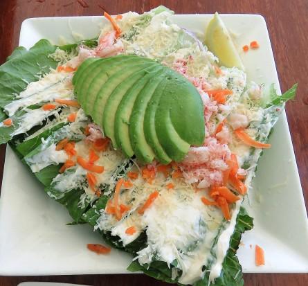 Salada de caranguejo e abacate no Haleiwa Joe's Seafood Grill