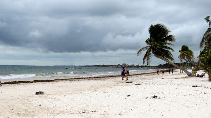 Playa Paraiso, infelizmente com algas e chuva